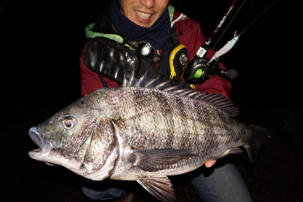 今回のレポートは海水寄りの汽水域での黒鯛釣行です。