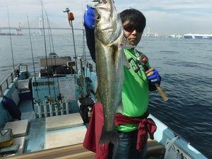 先日の休みを利用して、神奈川県のDマリーナさんからボートゲームに出かけてきました