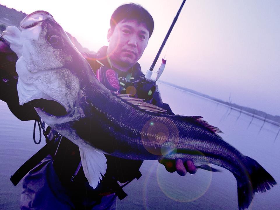 先日、FishmanAUX鈴木君のガイドで涸沼デビューを果たしてきました