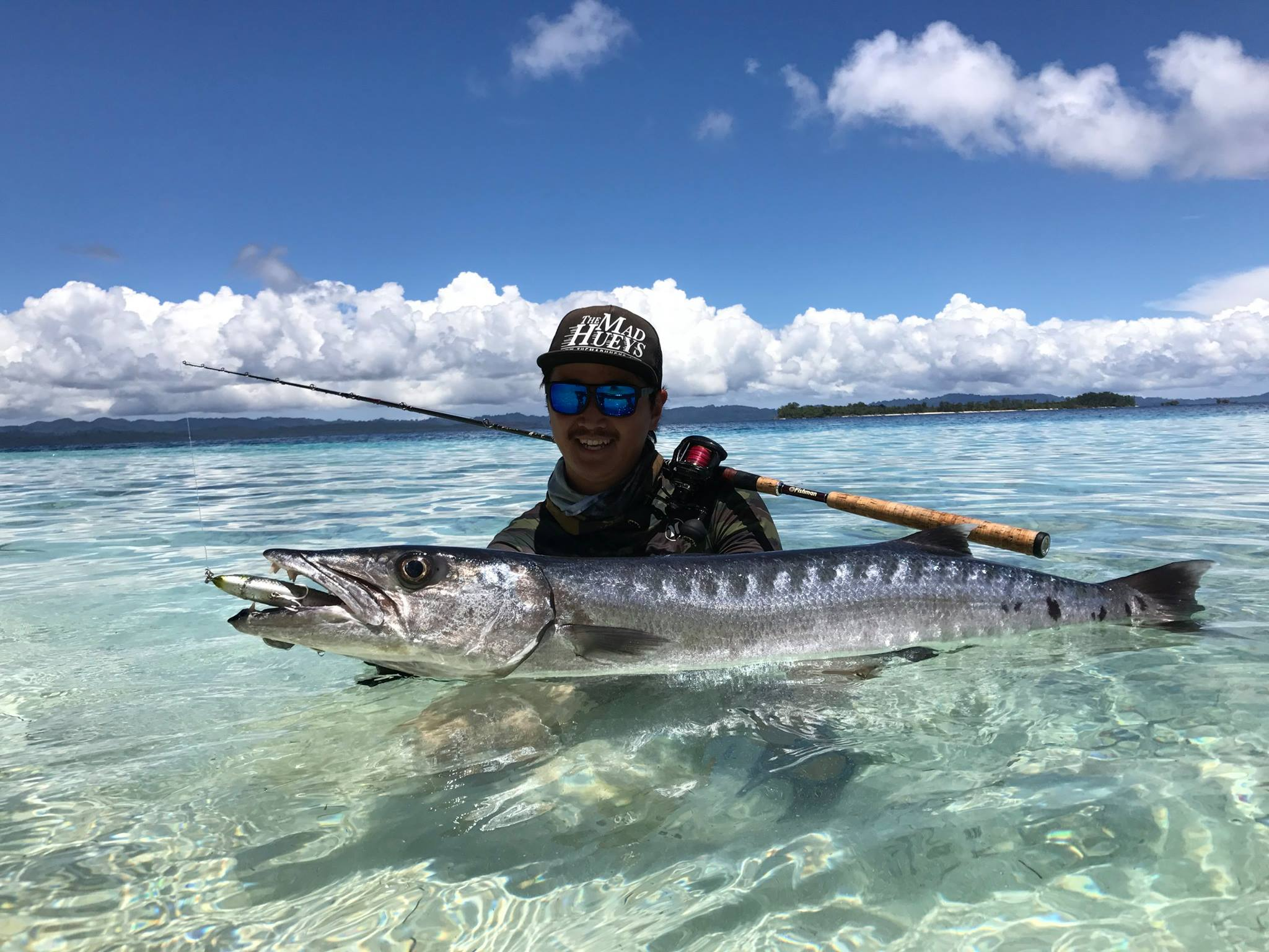 先週ソロモン諸島でも電波のないエリアから帰国してきました。