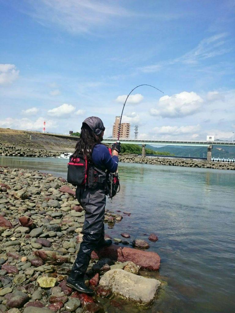 球磨川でキャスト