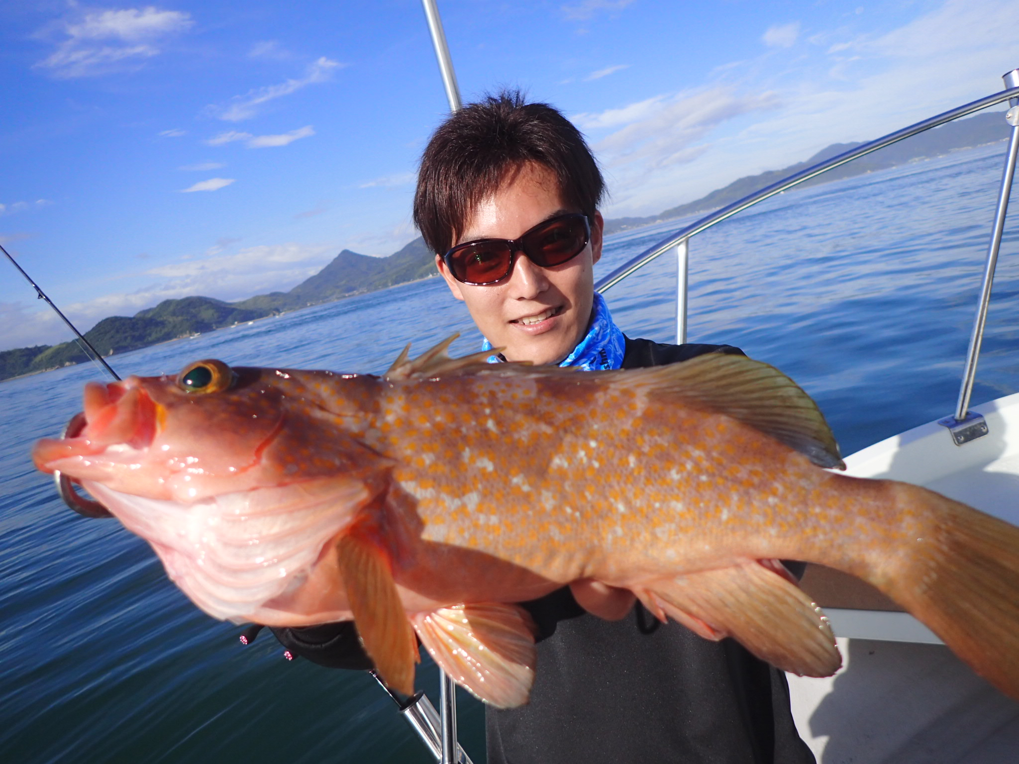 一つテンヤでアコウとマダイ!広島県尾道市の遊漁船、亀田丸さんにお邪魔しました。
