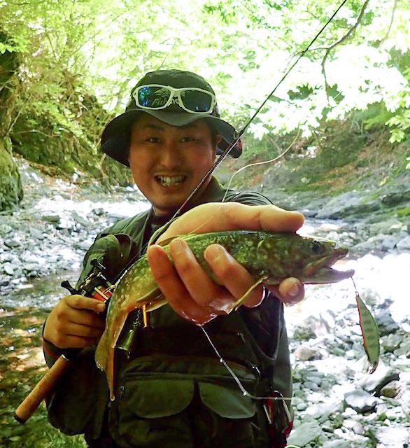 渓流釣りには欠かせない相棒 Beams Xpan4.3LTS