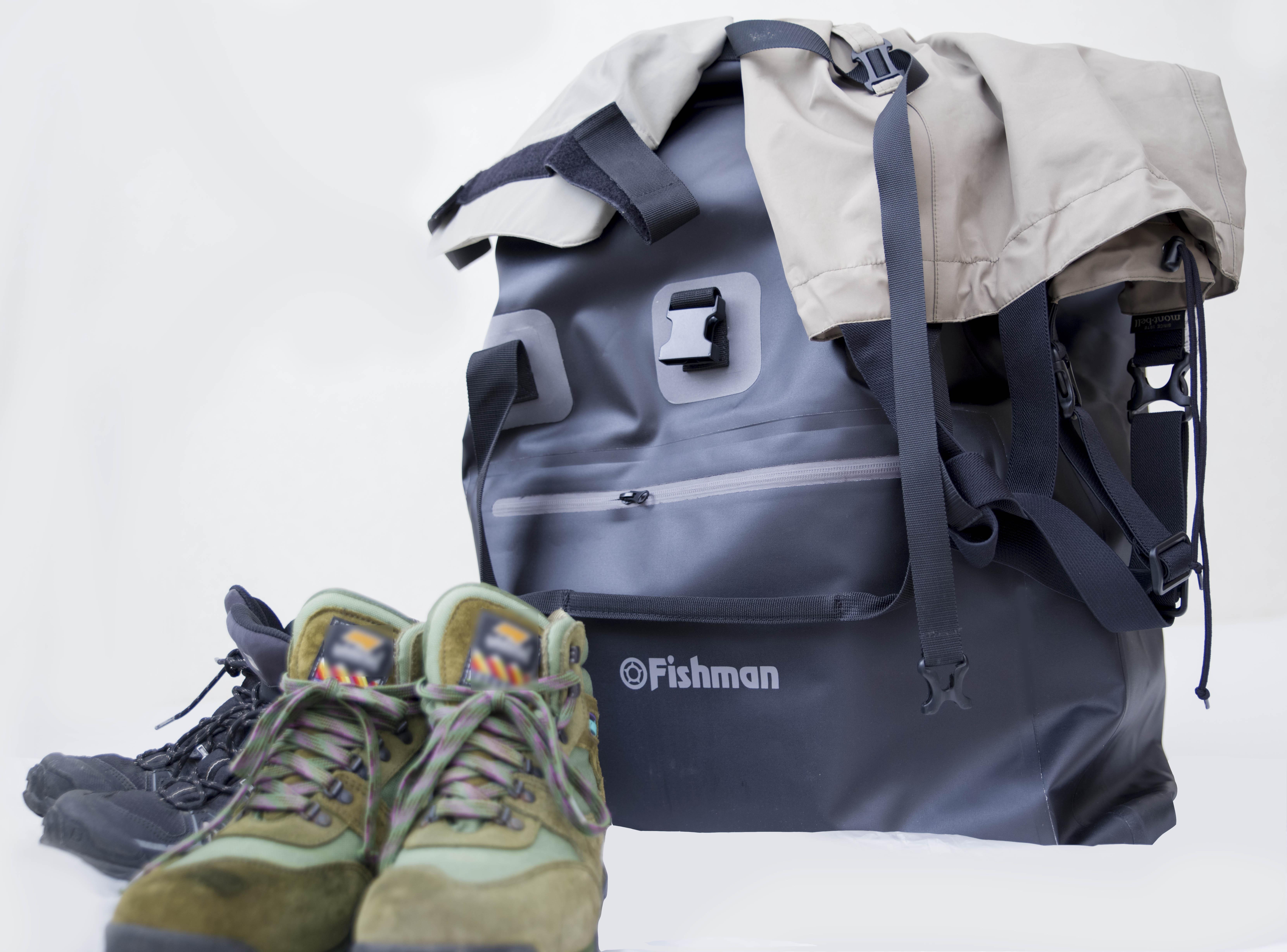 一つは持っておきたい大きな防水バッグ『ウォータープルーフライトバッグ』